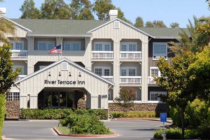 River Terrace Inn main exterior